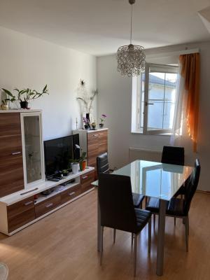 Schöne 3-Zimmer-Wohnung 54 m², Miete inkl BK € 570,--